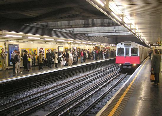 伦敦地铁站员工将举行为期三天罢工