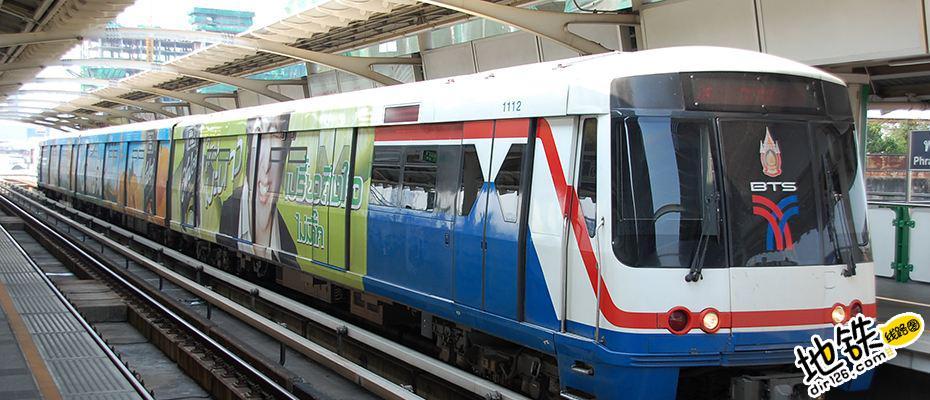 泰国曼谷轨道交通工地起重机倒塌致三人死亡