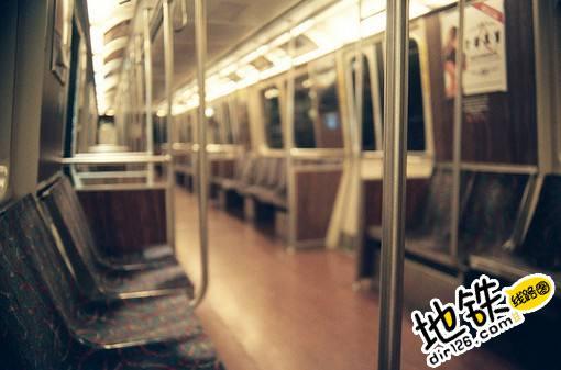 地铁里的一些思考