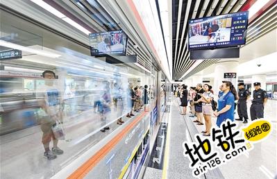 石家庄地铁通车第一周运营平稳 单日客流超23万