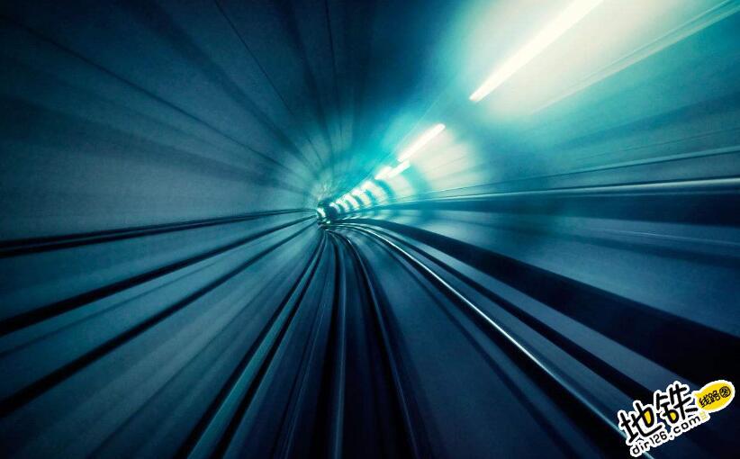 """地铁列车在狭小的隧道里,如何完成""""掉头""""?"""