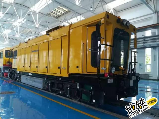 """地铁钢轨的""""养护专家""""—— 钢轨打磨车"""