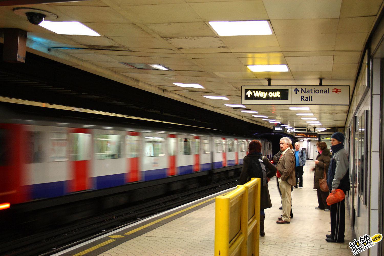 乘地铁中哪些行为最令人讨厌?