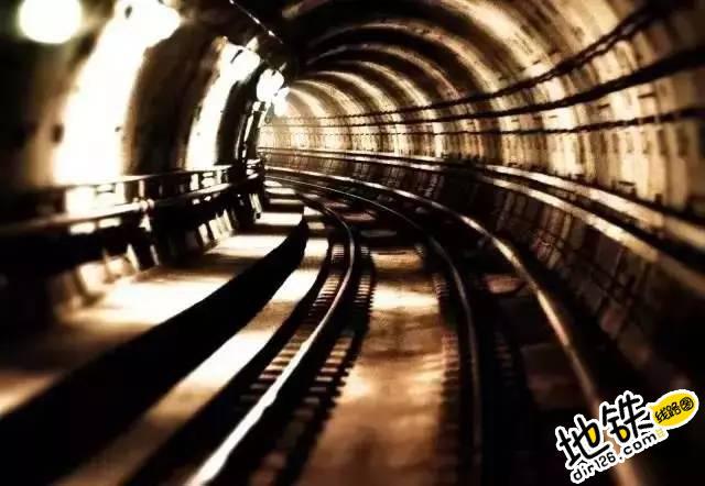 地铁,从梦想驶进现实