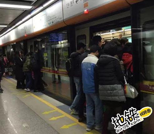 为啥地铁车门有时候已经关闭了又打开