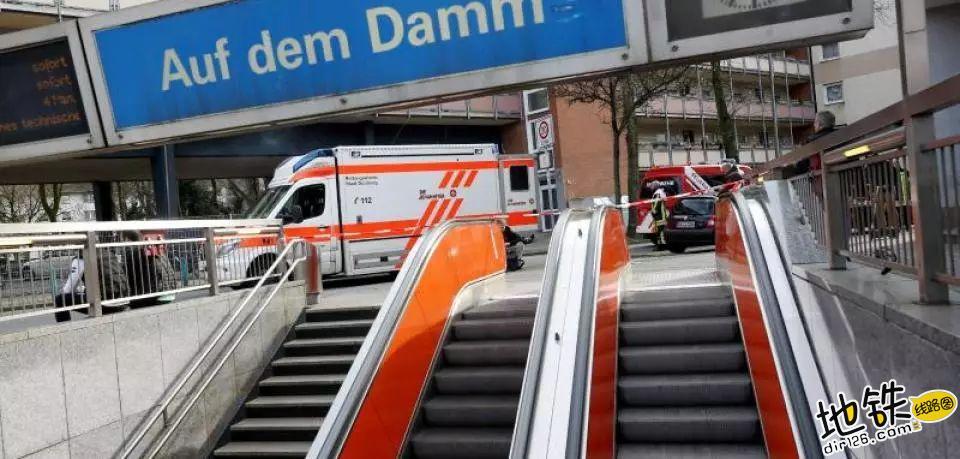德国地铁突发追尾造成2重伤21轻伤 事故 交通 追尾 地铁 德国地铁 轨道动态  第1张