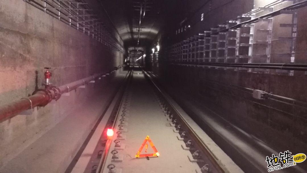 地铁隧道是圆的还是方的? 盾构机 盾构 明挖 隧道 地铁 轨道知识  第3张