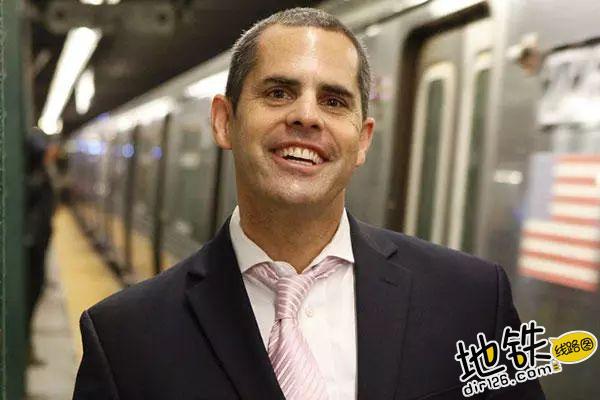 约会狂魔教你在地铁里如何搭讪