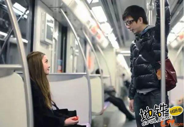 约会狂魔教你在地铁里如何搭讪 勾搭 地铁卡 搭讪 约会 地铁 轨道休闲  第3张