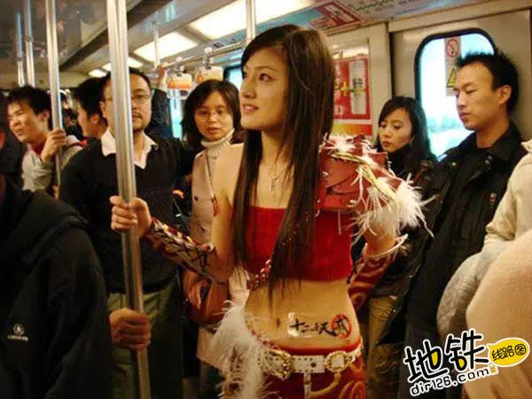 约会狂魔教你在地铁里如何搭讪 勾搭 地铁卡 搭讪 约会 地铁 轨道休闲  第7张
