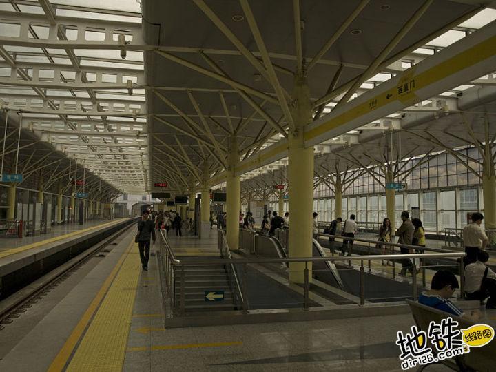 地铁屏蔽门的相关知识 乘客 轨行区 屏蔽门 地铁站台 地铁 轨道知识  第2张