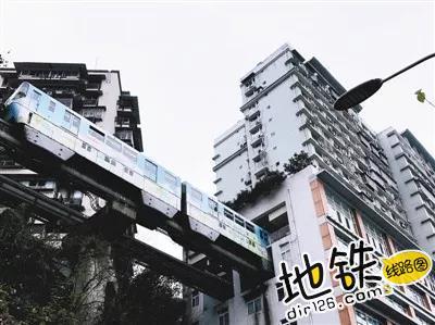 重庆2号线李子坝站火了 周围多种商业形式开花