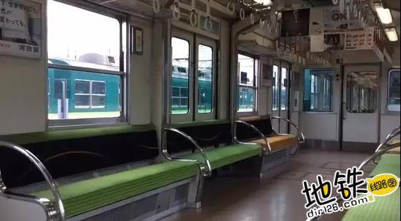 从天而降的地铁座位 乘客 通勤 地铁 座位 京阪电车 轨道动态  第3张