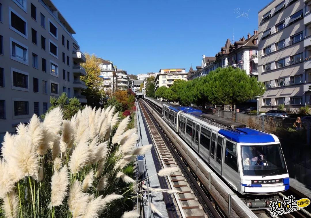 """What?!""""富得流油""""的发达国家,竟只有一个城市地铁?"""