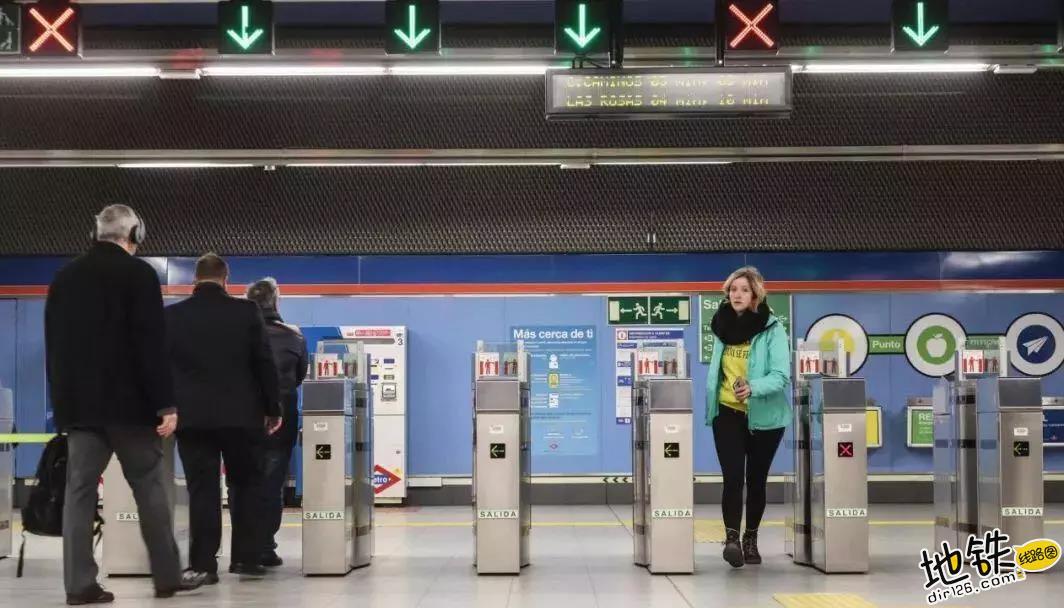 地铁进出站闸机敞开,提升效率降低了维护成本!