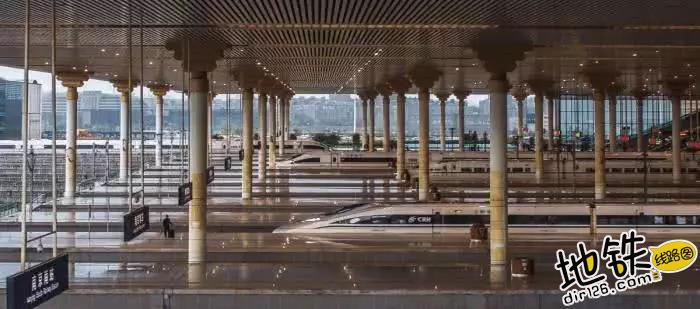 中国唯一仿宫殿火车站,投资300亿光规划就花了17年 宫殿 高铁 交通 南京南站 火车站 轨道动态  第5张