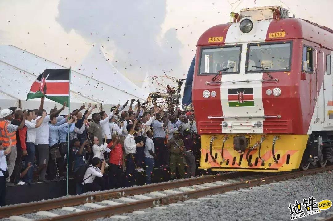 印度铁路公司招聘为何挤破头? 劳动力 薪金 招聘 铁路 印度 轨道动态  第1张
