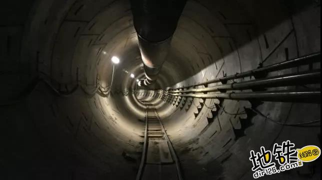 马斯克的地下隧道完工:241公里/时不堵车 未来要建100层 交通 隧道 地铁 pod Boring 马斯克 轨道动态  第1张
