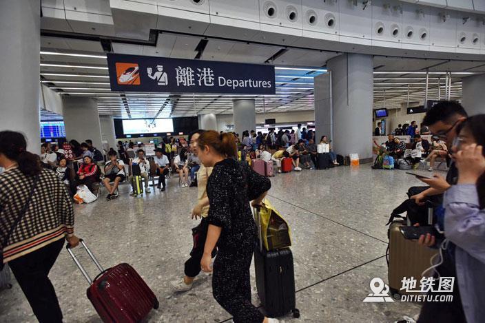 港铁推出长者高铁半价票 香港来往福田半价只需40港元