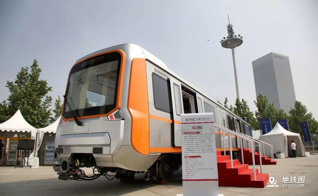 中车唐山研制 新一代智能B型地铁亮相