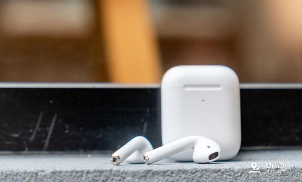 纽约地铁大量无线耳机AirPods掉落地铁轨道 考虑发布公告 MTA 掉落 AirPods 地铁 无线耳机 轨道动态  第1张