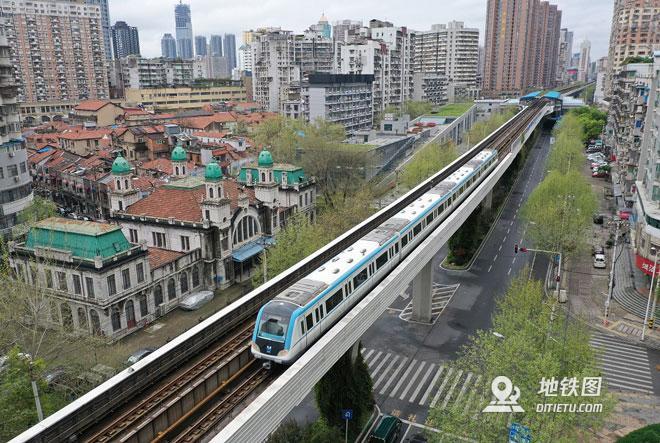 武汉地铁28日起部分线路恢复运营 车站、列车深度消毒
