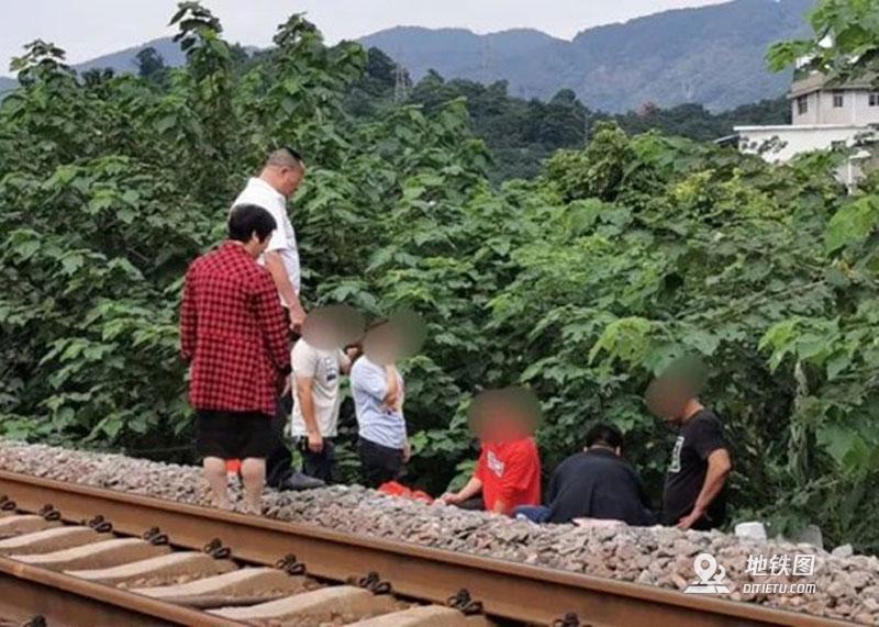 突发!福州一女子遭火车碾压身亡 身亡 事故 火车 福州 轨道动态  第1张