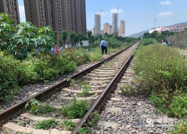突发!福州一女子遭火车碾压身亡 身亡 事故 火车 福州 轨道动态  第2张