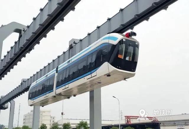 """""""湖北造""""!武汉首条空轨即将投入市场"""