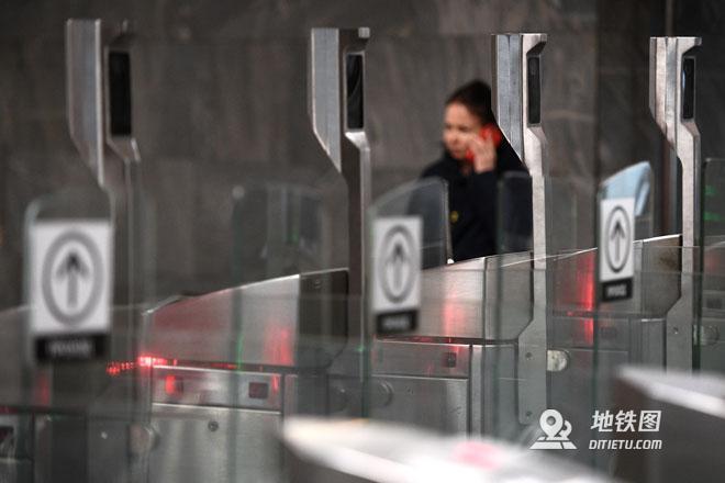 俄媒:今年底莫斯科地鐵站將全面啟動臉部識別進站系統