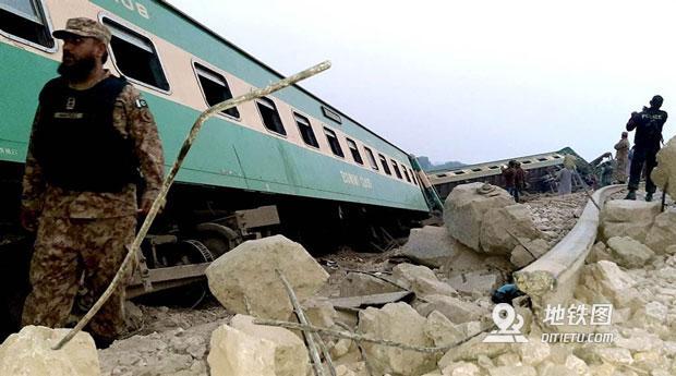 突发:巴基斯坦火车相撞重大事故 30死、数十人伤