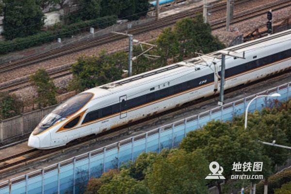 """從""""龍號""""機車到""""復興號""""中國軌道交通領跑世界"""