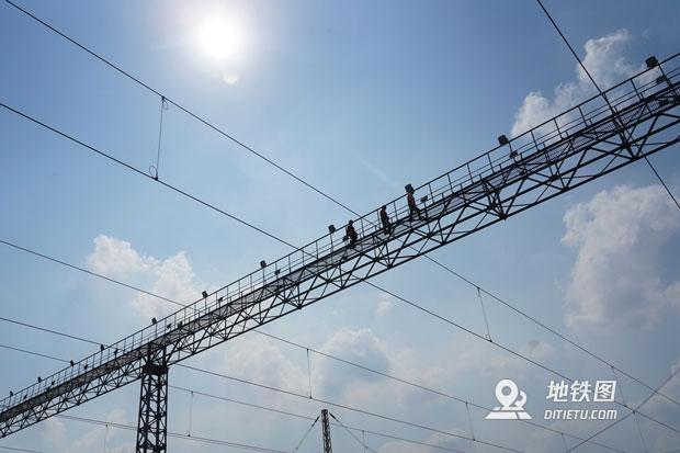 60℃電燈橋上的鐵路電力工