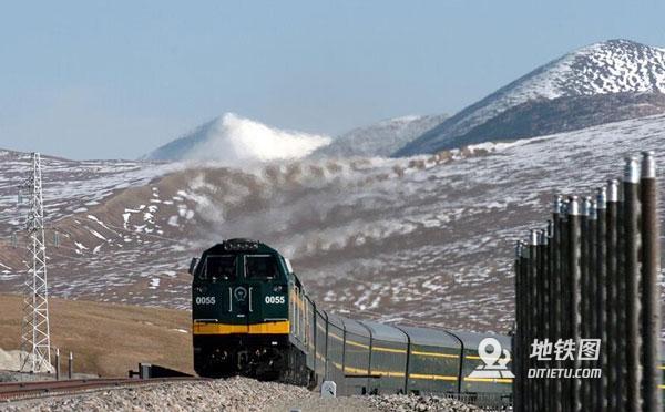 青藏铁路15年来输送进出藏旅客2963.27万人次