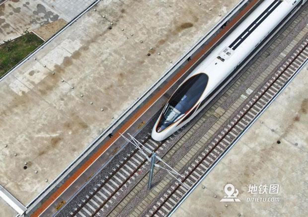 朝凌高鐵開通 大連到北京四小時可達