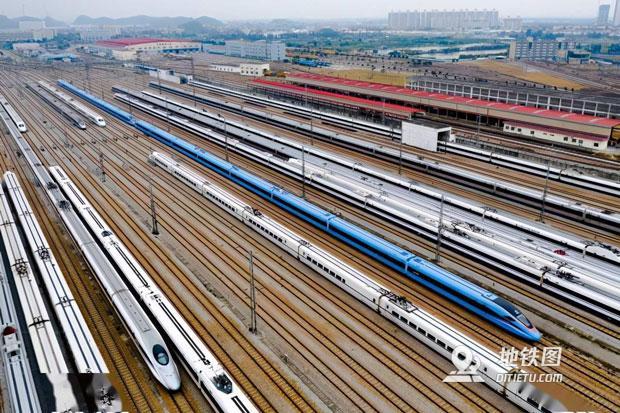 国庆假期高铁客流占比超7成