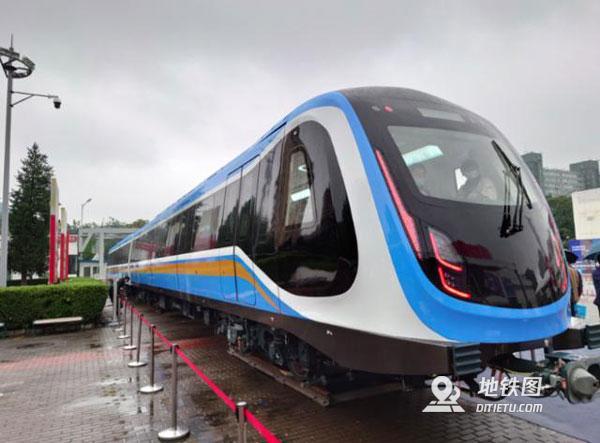 首列中国标准地铁列车青岛造